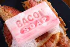 da14_bacon_soap_closeup
