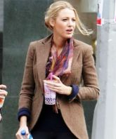 DH Casey mcGee Gallagher - Blake Lively